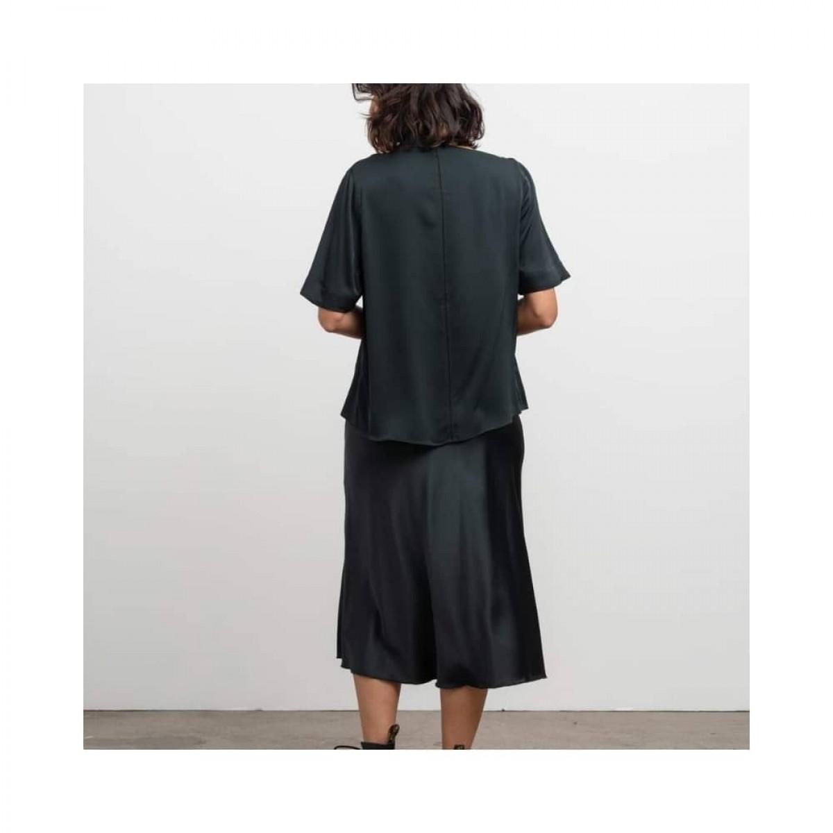 hana nederdel - deep forest - model ryggen