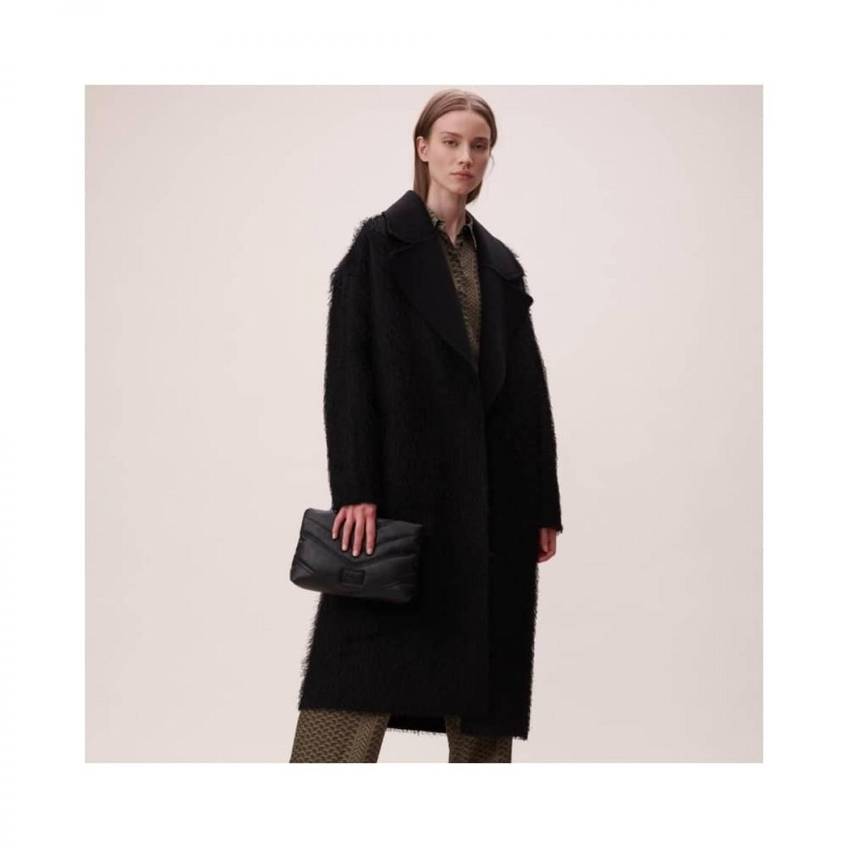 pouch nola - black - model front