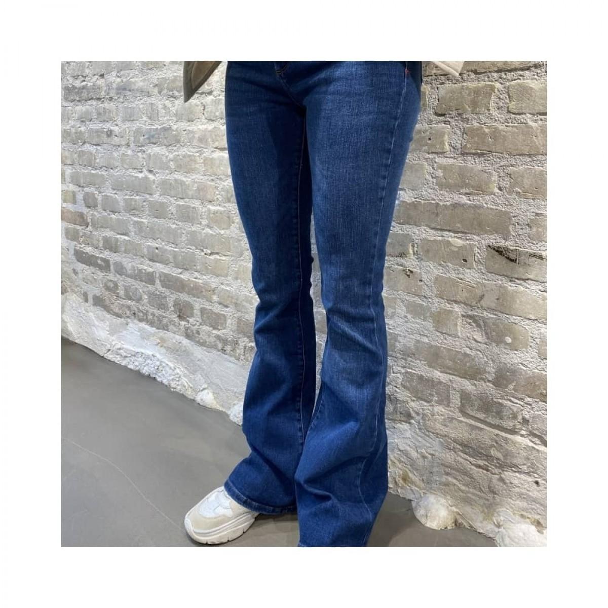 albert flare jeans - denim blue - model front