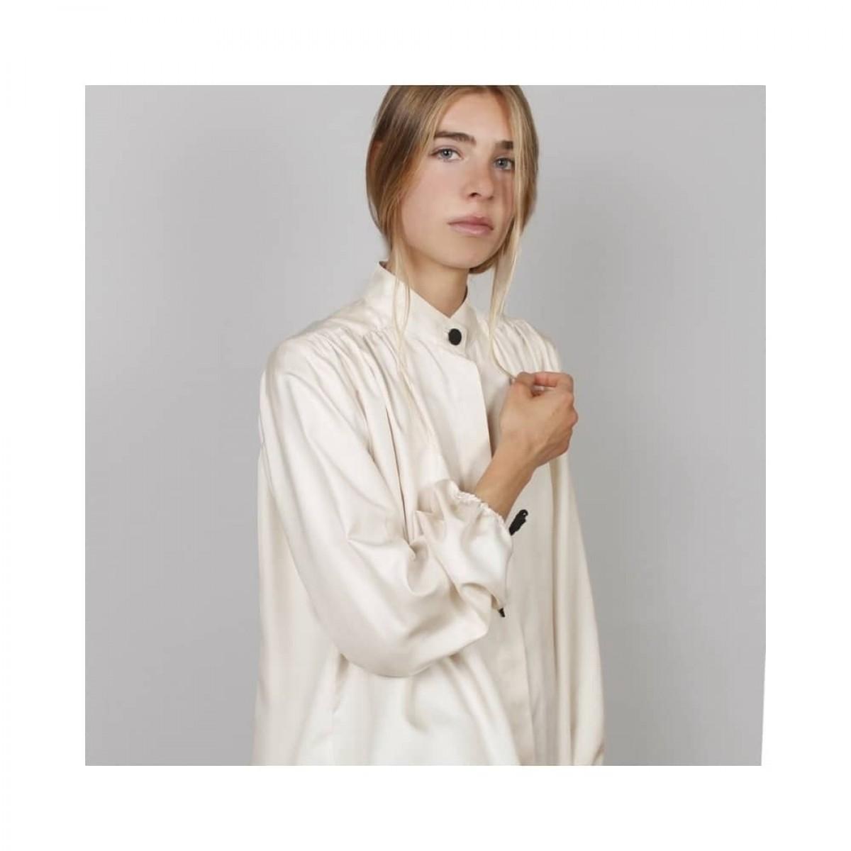 fifi bluse - beige - model billede