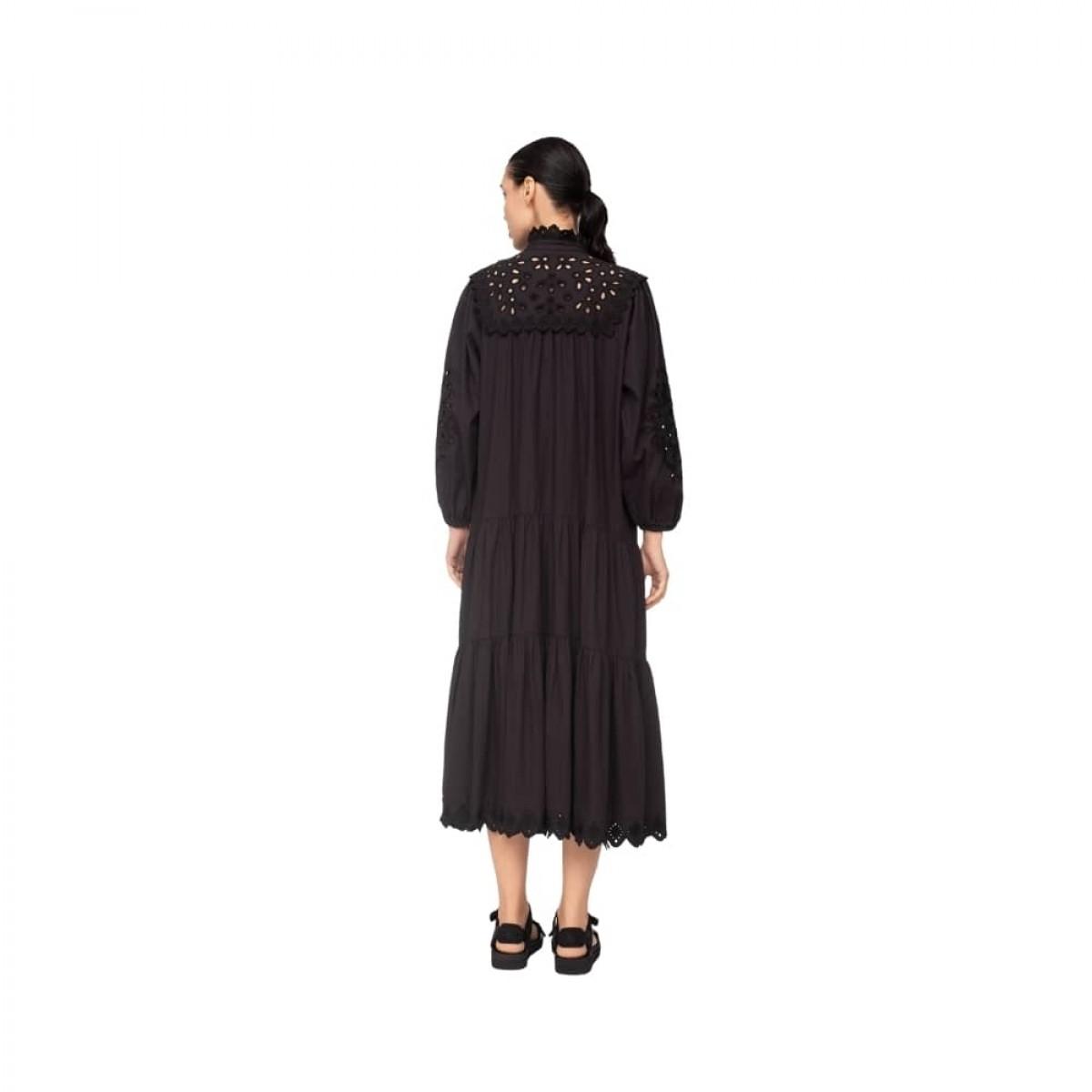 hazel eyelet kjole - black - model ryggen