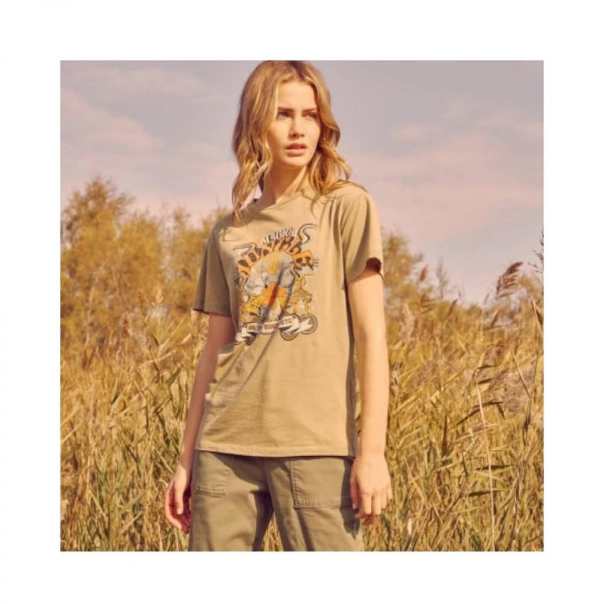 twiggy t-shirt - olive - model billede