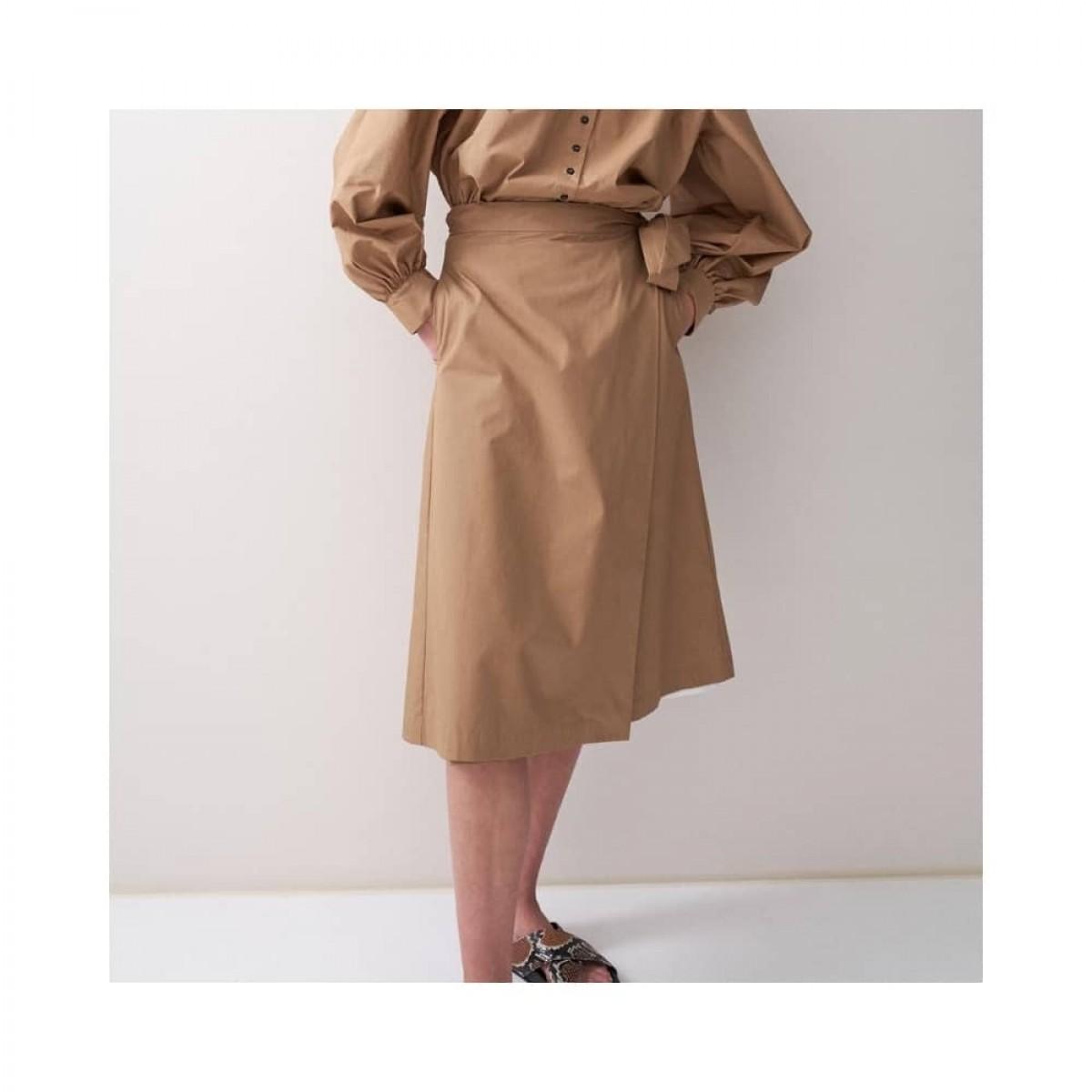 greta nederdel - khaki - model front