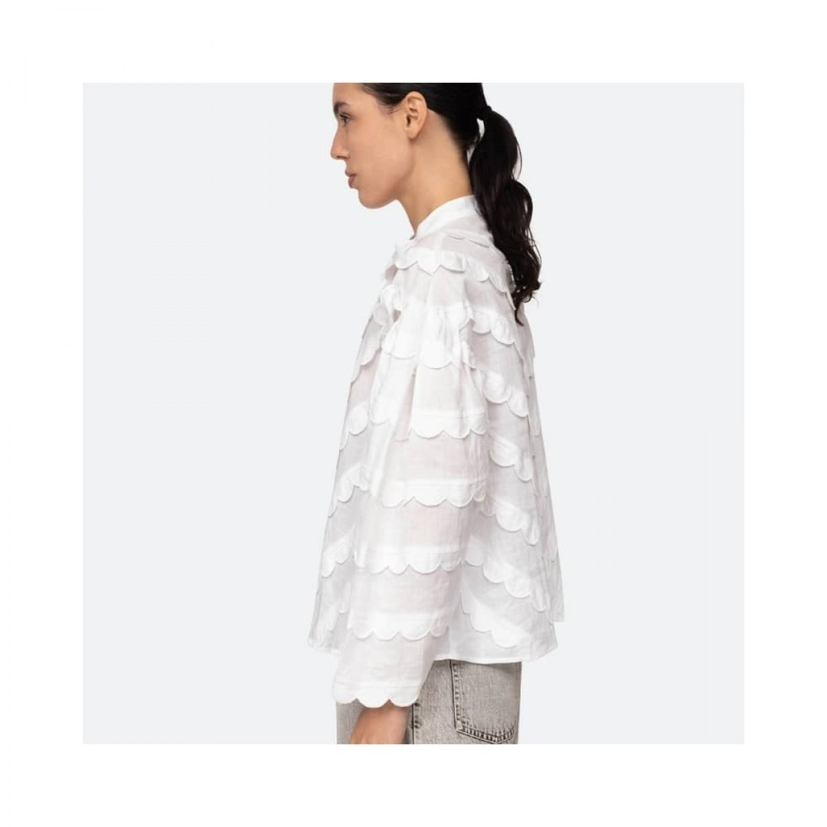 shannon scallop skjorte - white - model fra siden