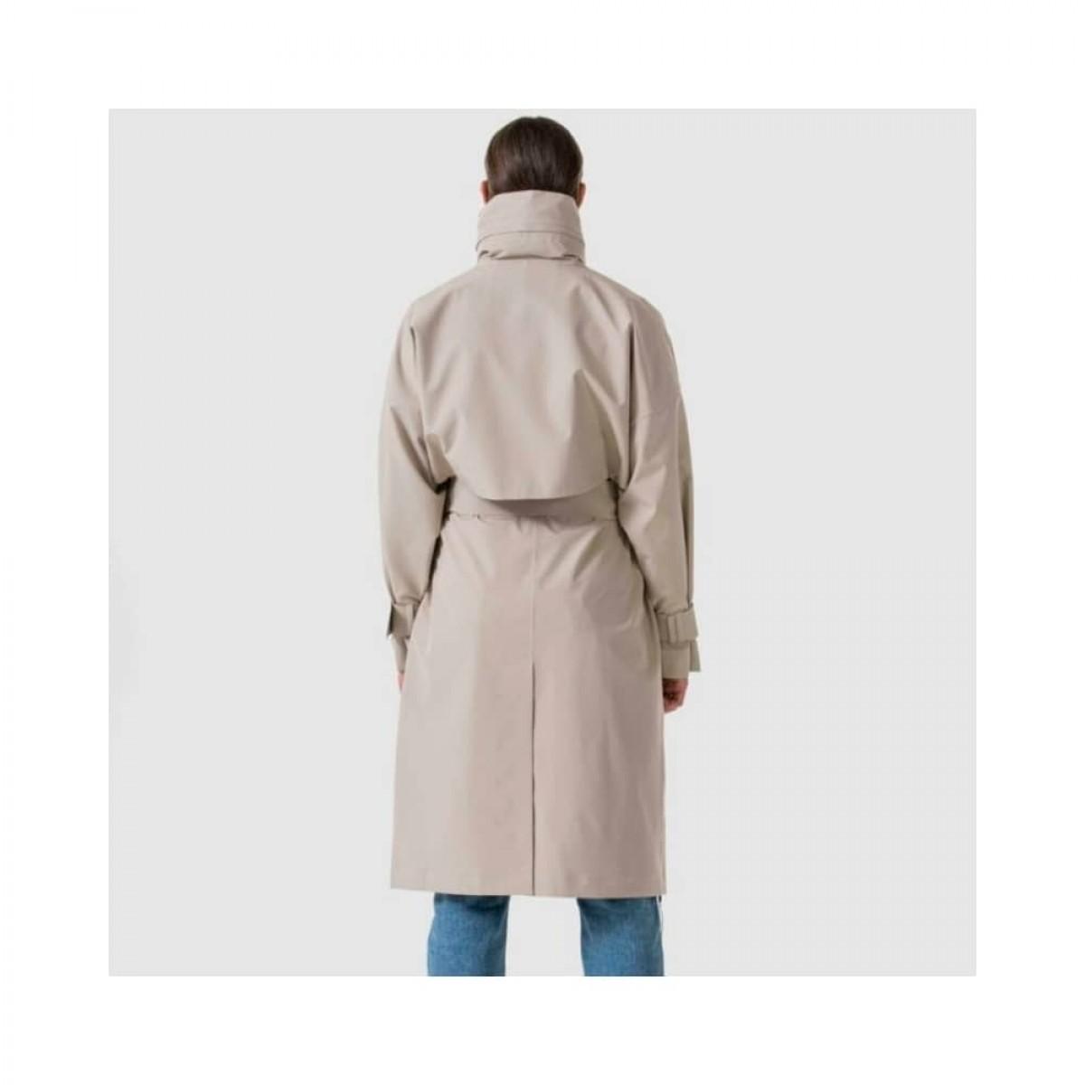 brosundet regn frakke - beige - model fra ryggen