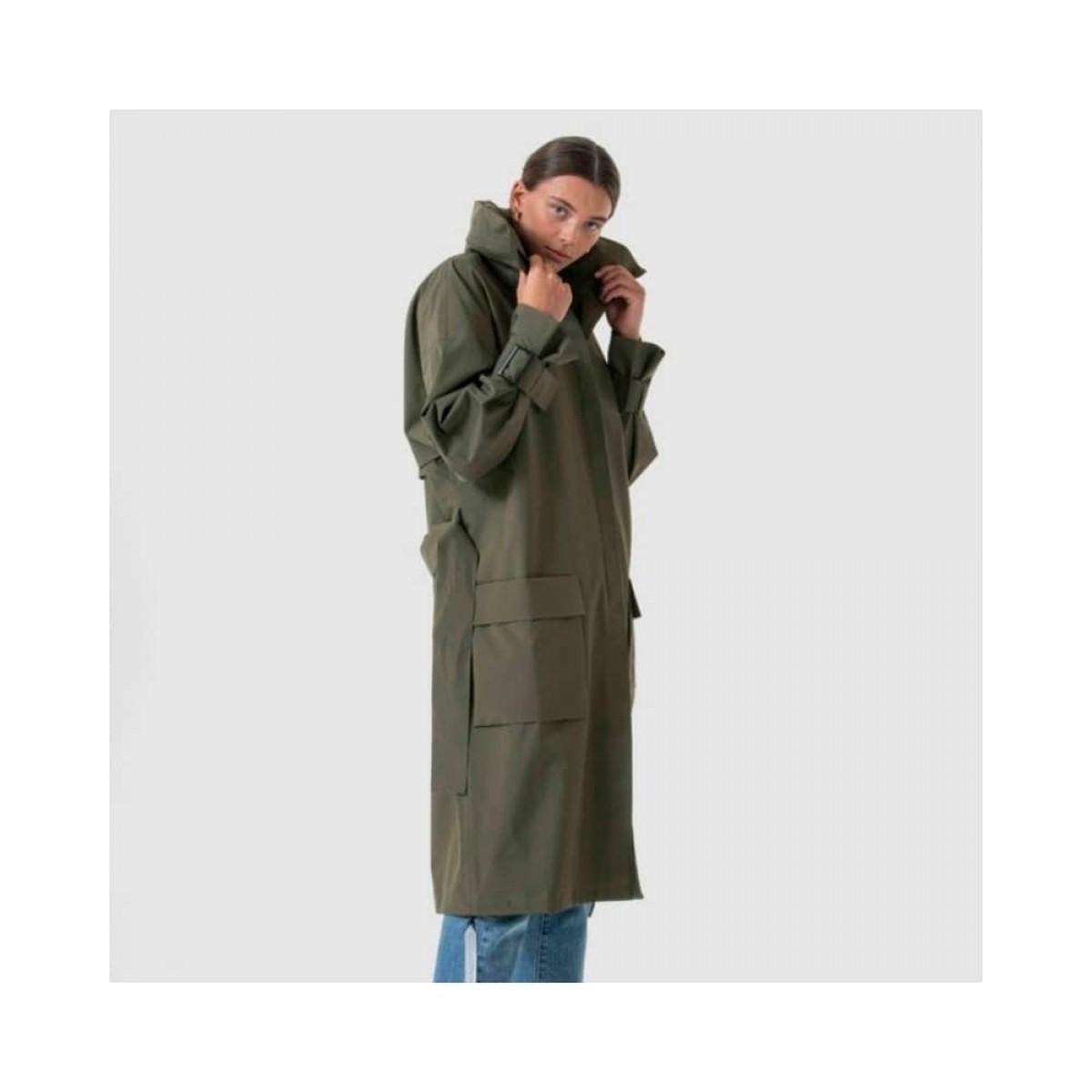 brosundet regn frakke - dark olive - model med krave