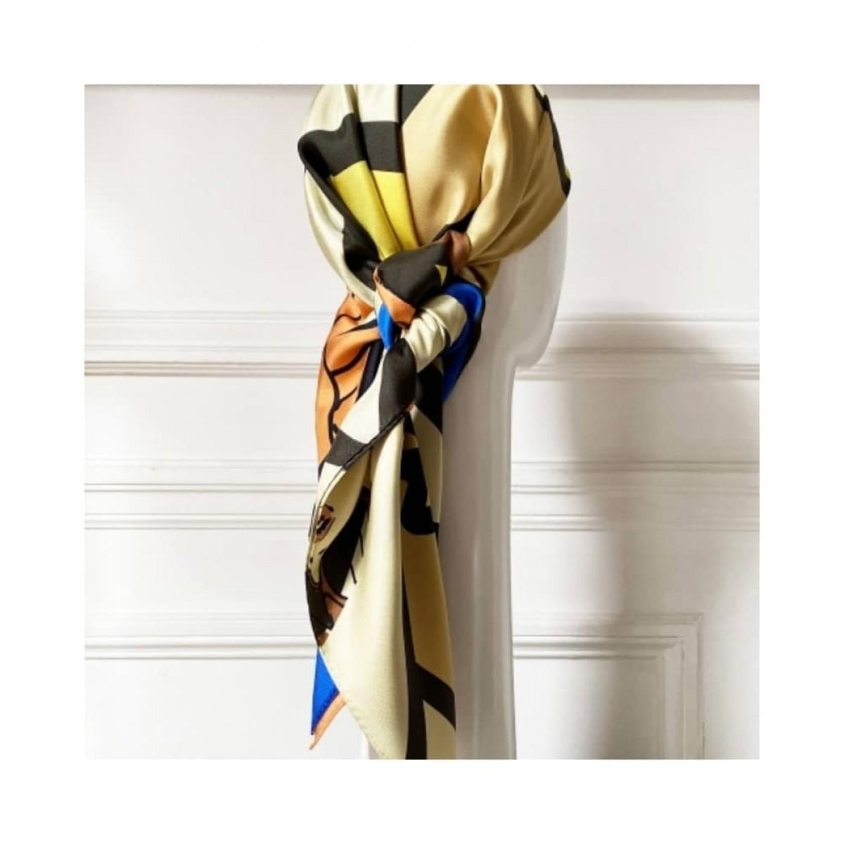 girl power silke tørklæde - 90 - detalje 2