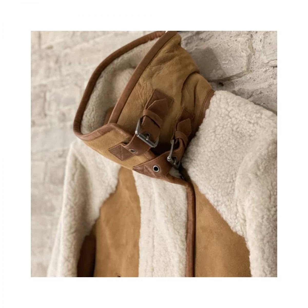 manila rulam jakke - beige - front billede - detalje