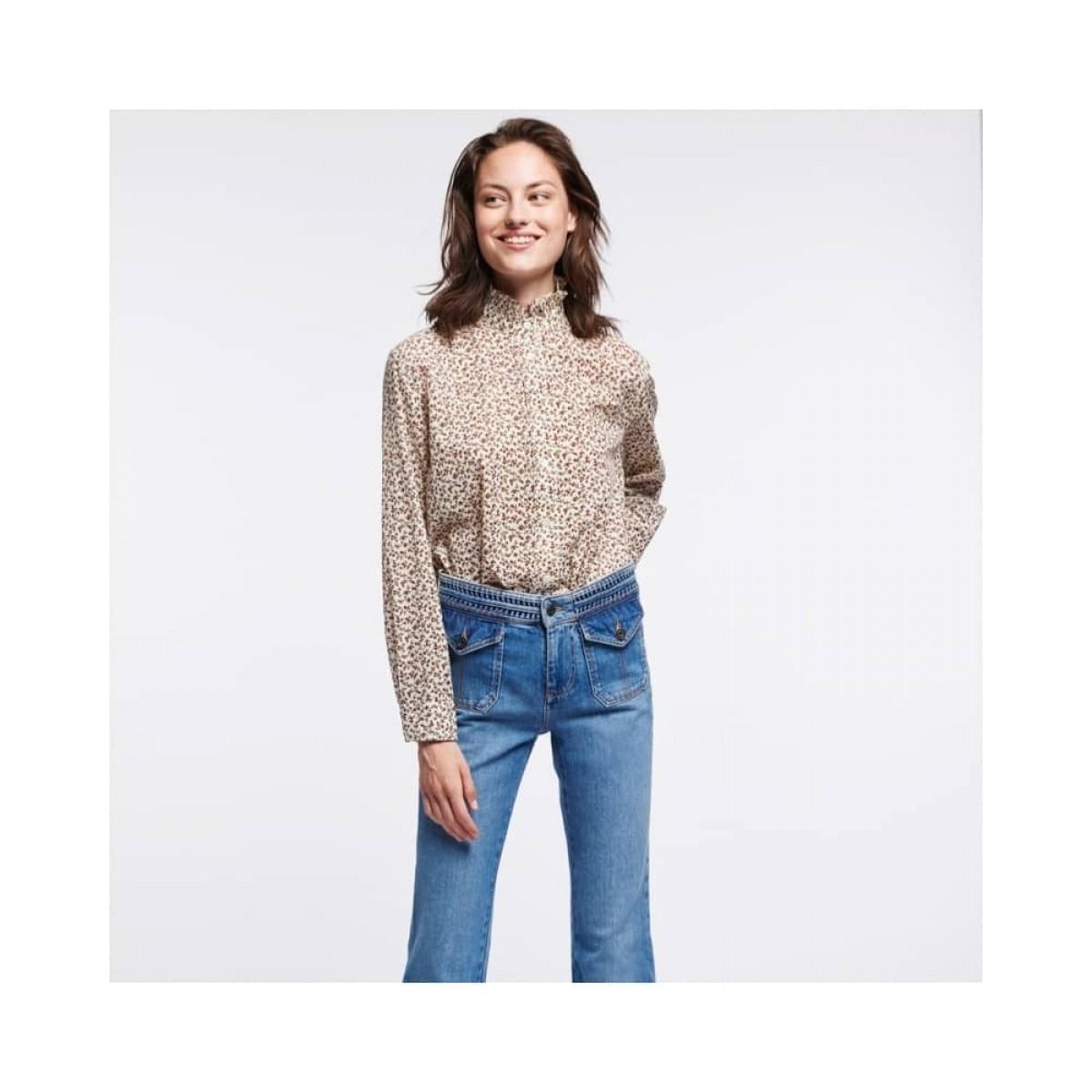 sidney bluse - ecru - model front