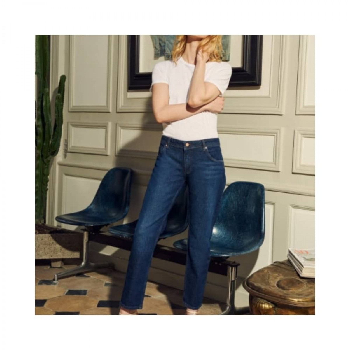 nina boyfriend jeans - denim blue - model front 2