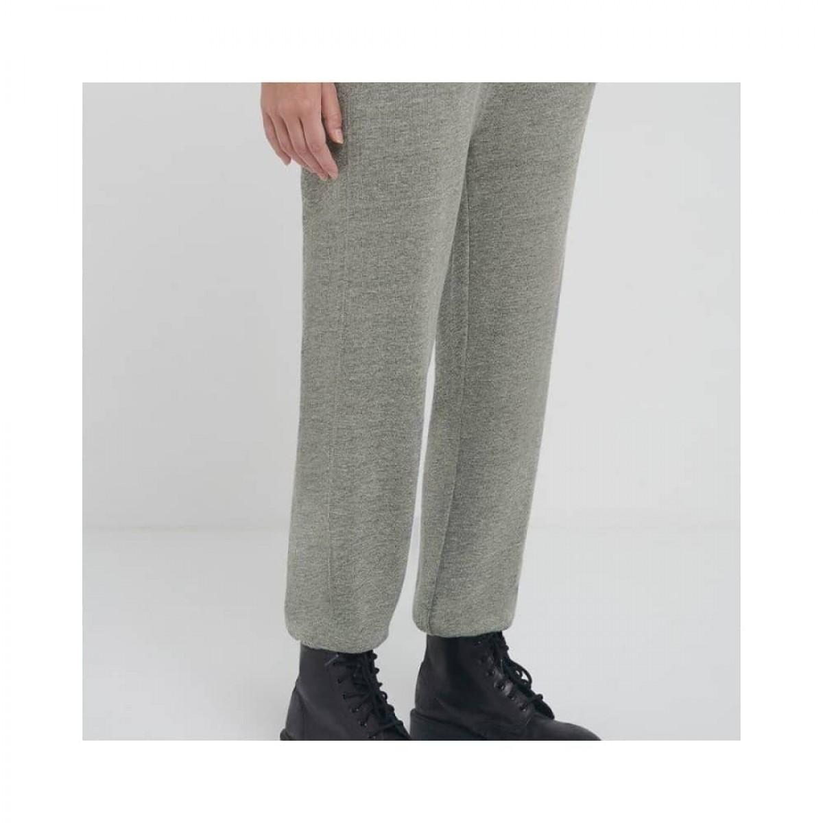 plomer sweat bukser - heather grey - model fra siden