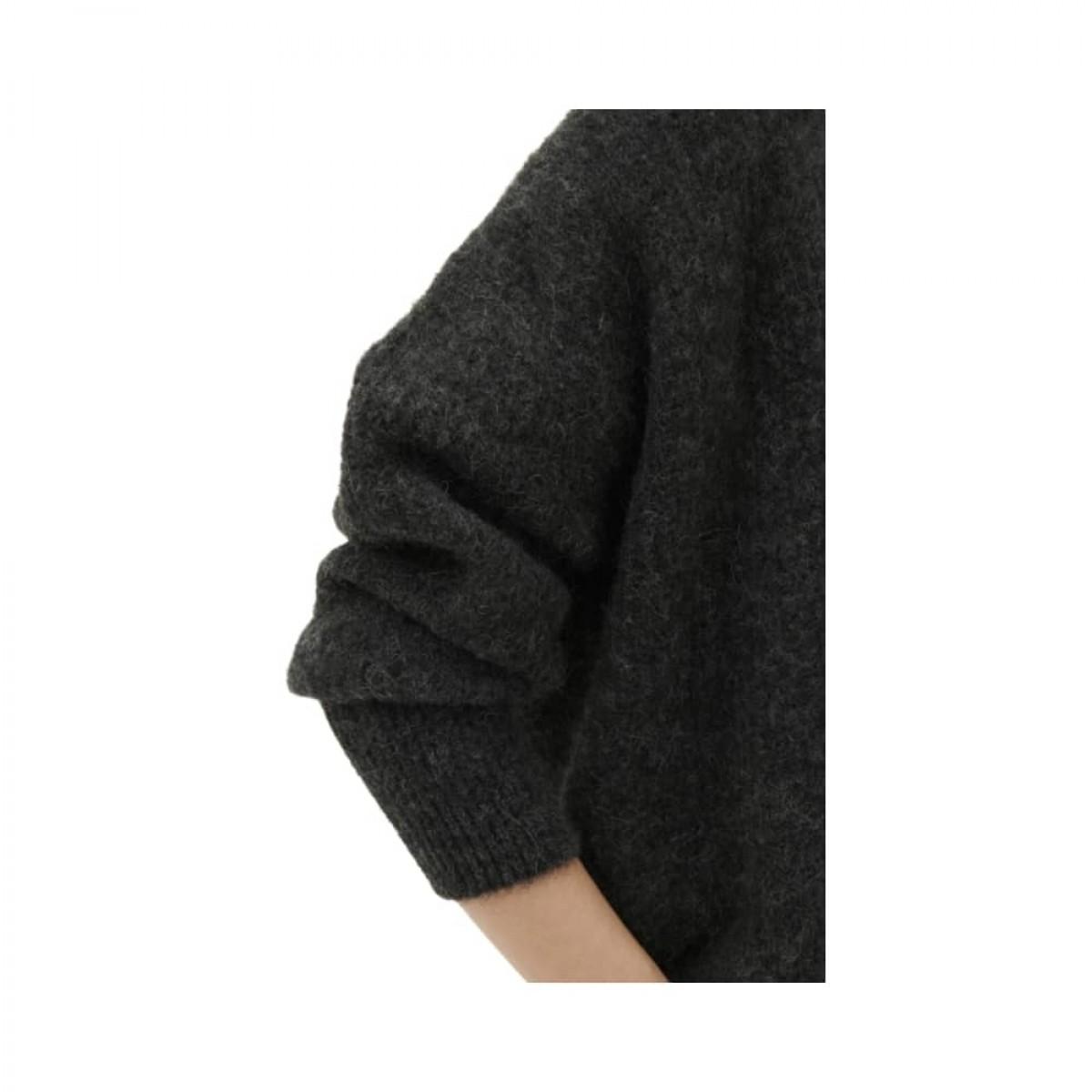 east strik cardigan - charcoal melange - model ærme