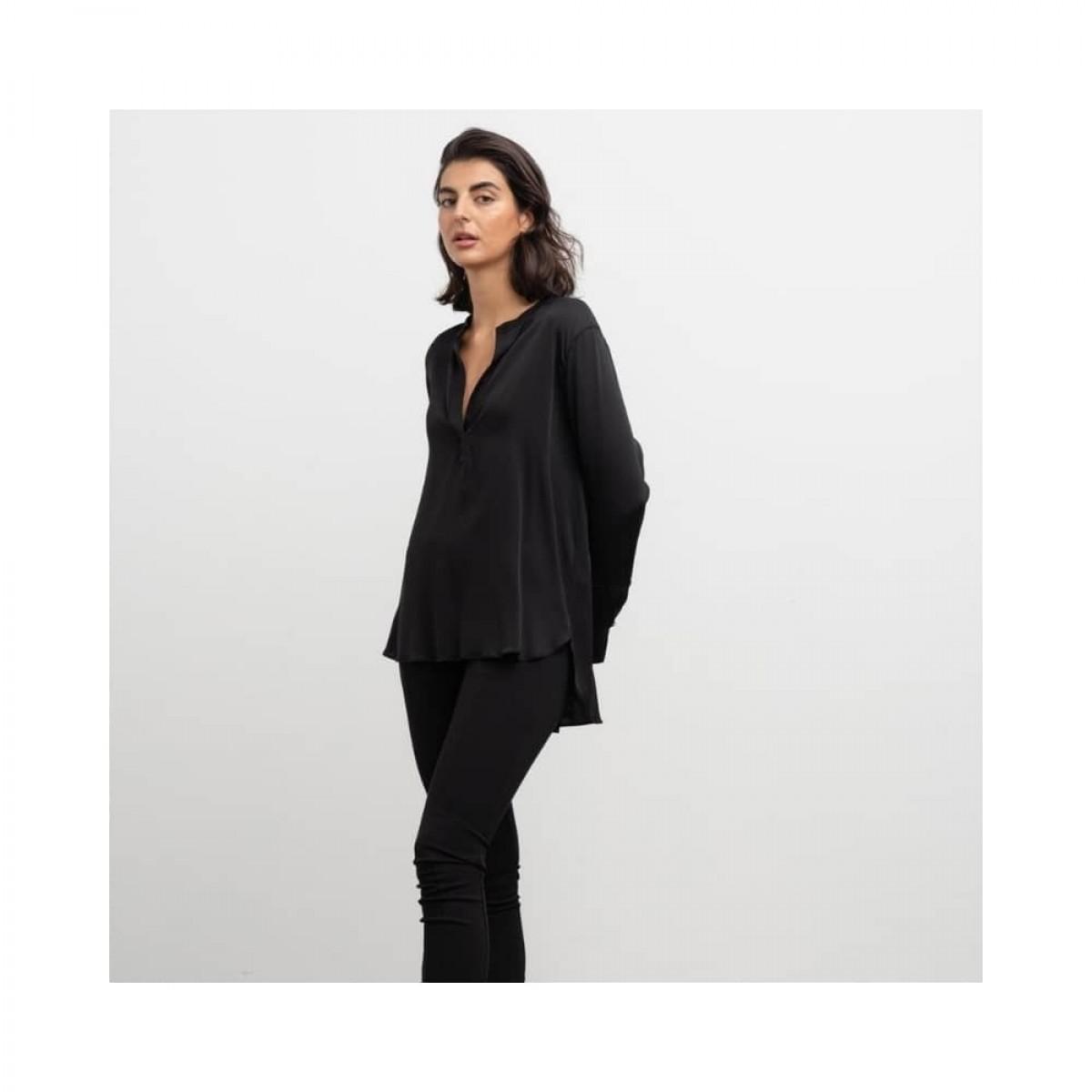 coco blouse - black - model front