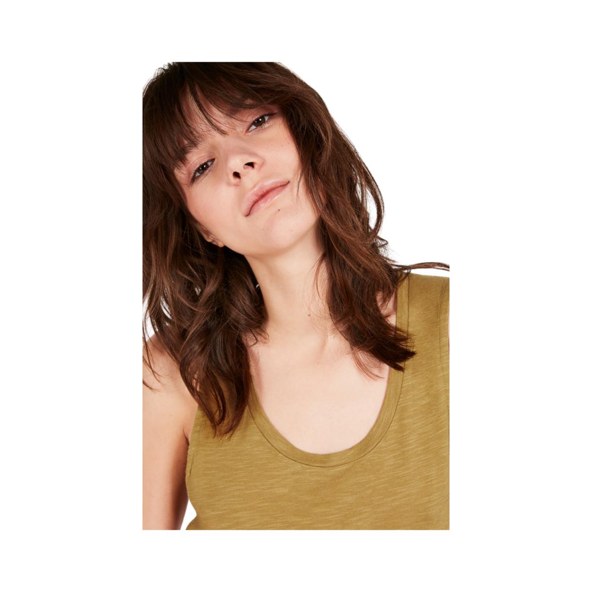 jacksonville strop - vintage camello t-shirt - model billede