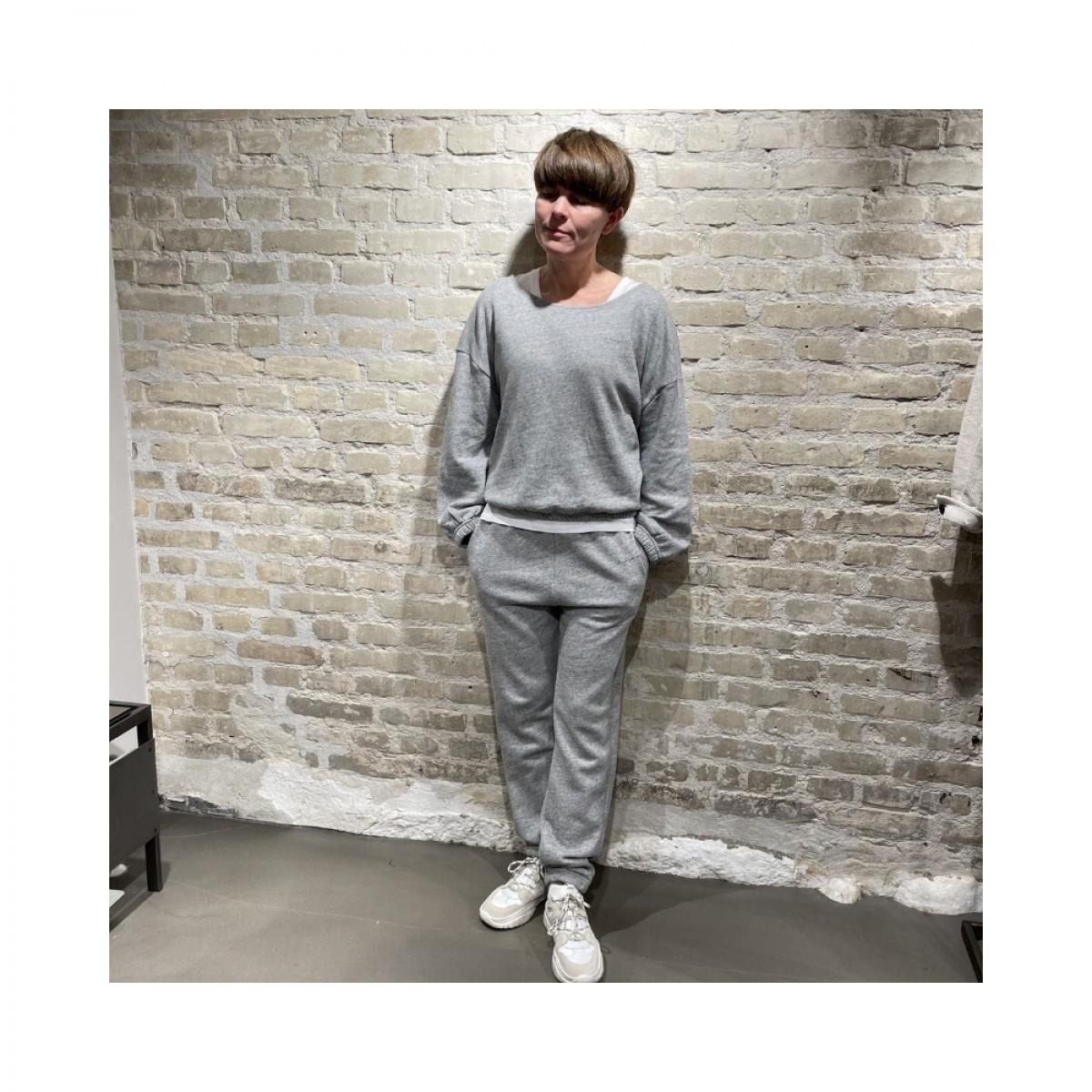 najabay sweat shirt - heather grey - ren figur