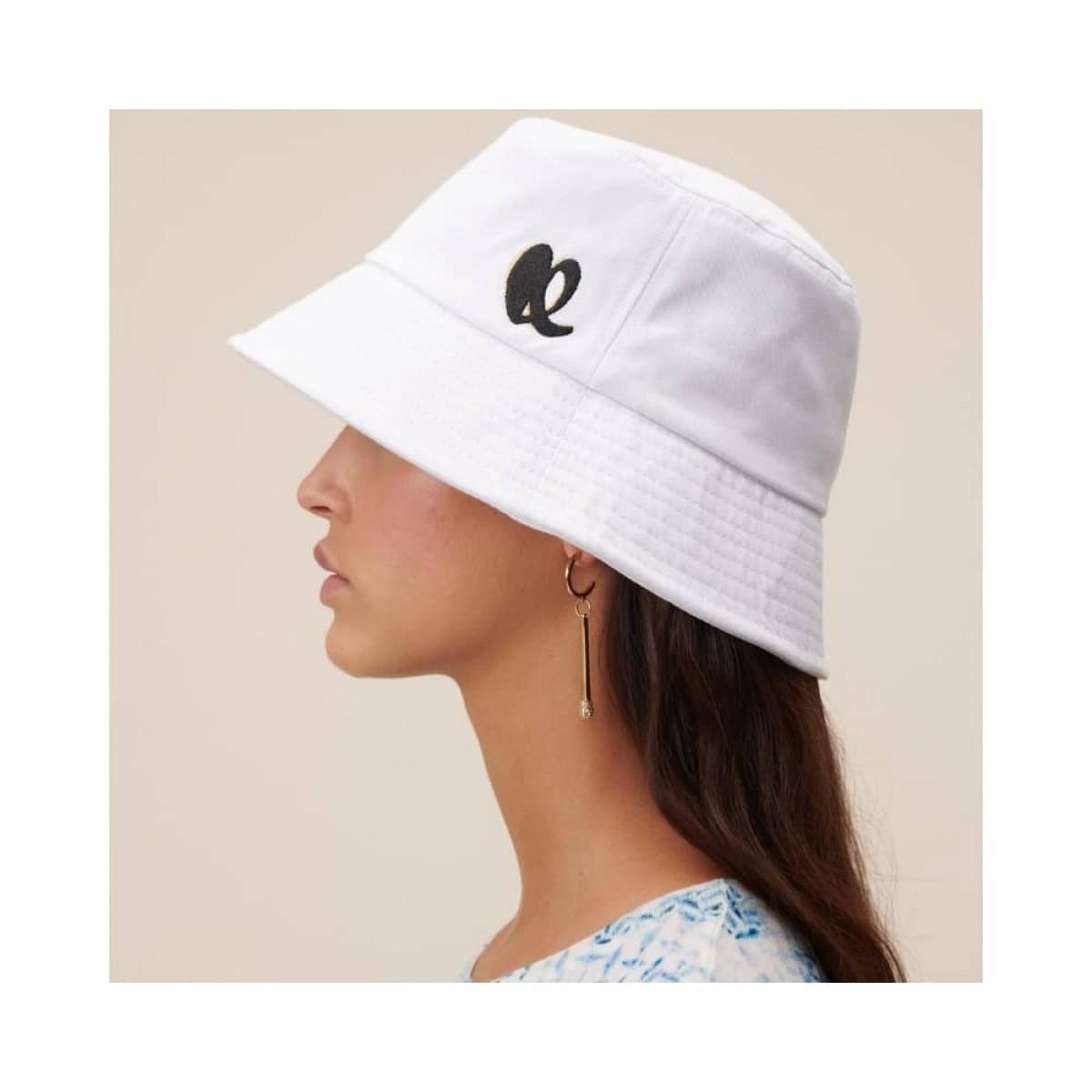 hat alicia bøllehat - white - model fra siden
