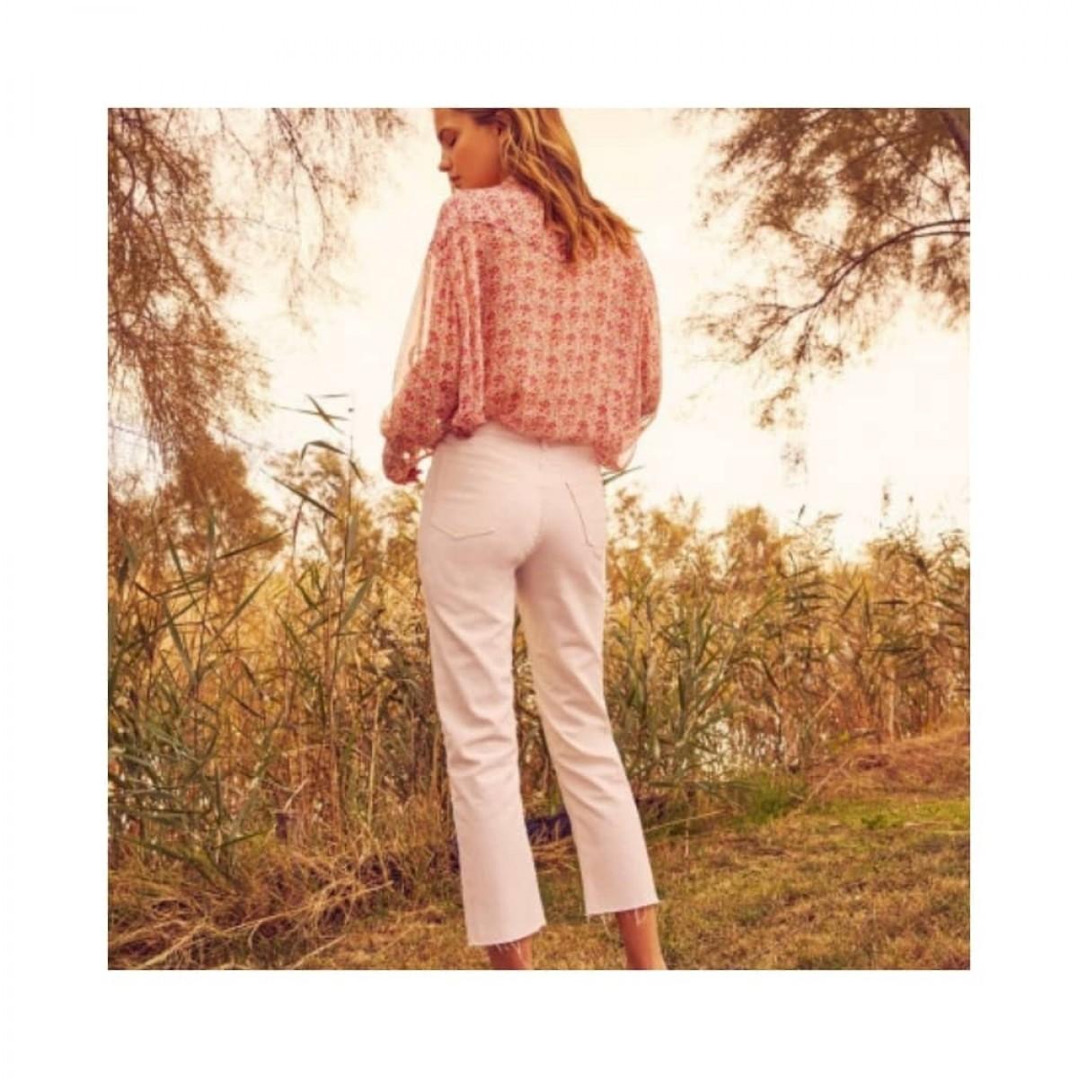 milo jeans - off white - model ryggen