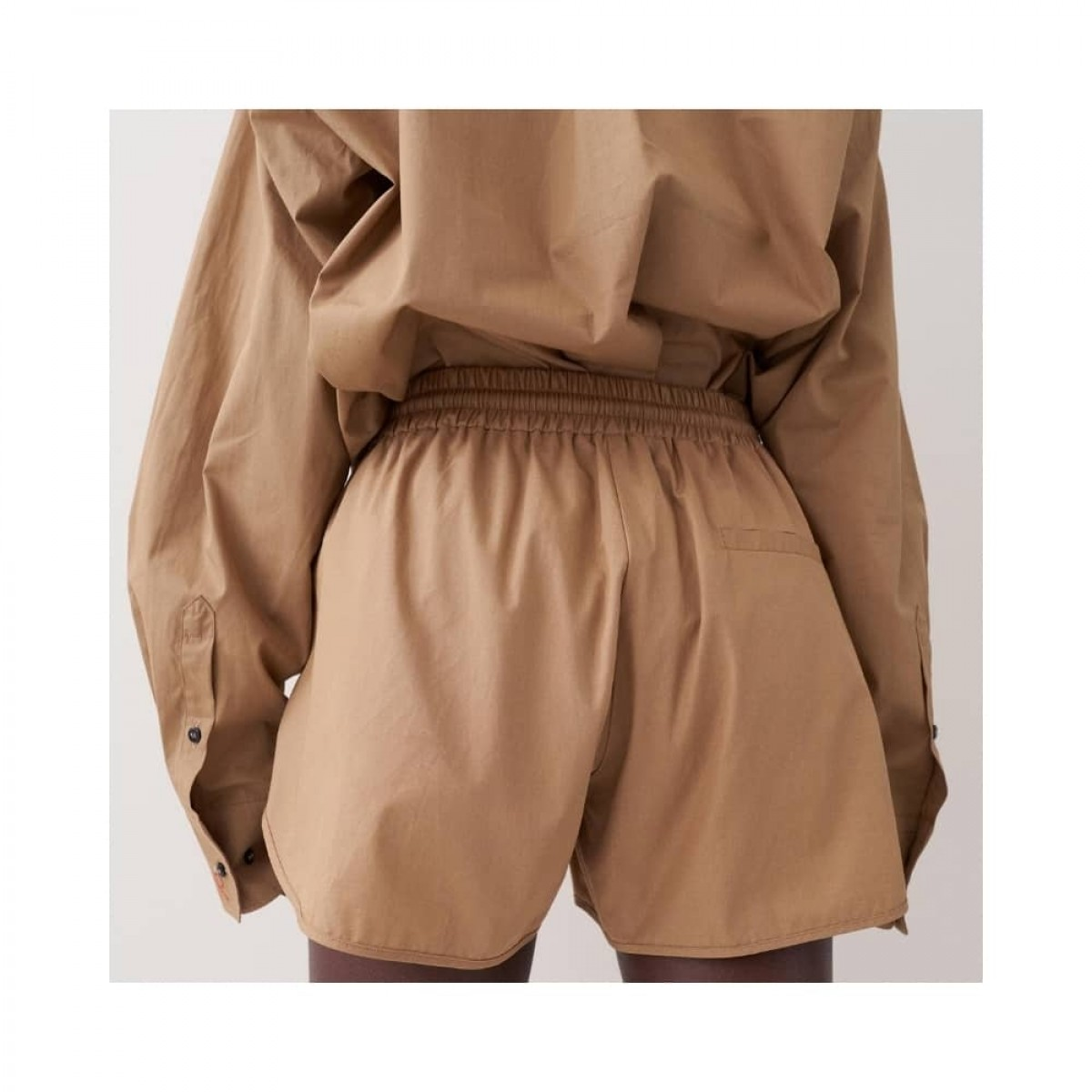 jett shorts - khaki - model bag
