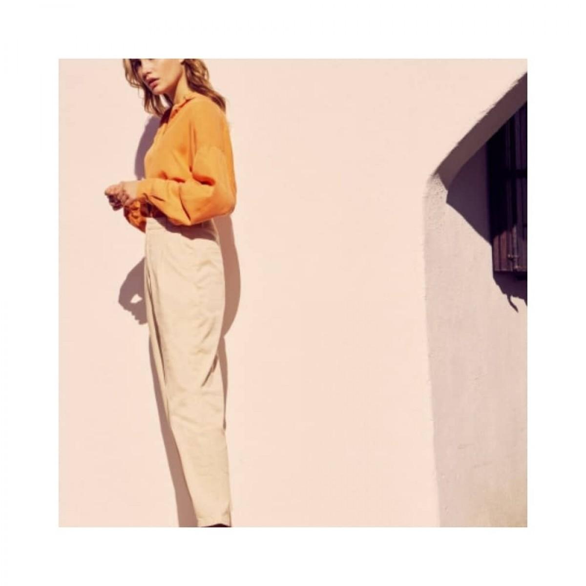 ambre chino bukser - light sand - model fra siden