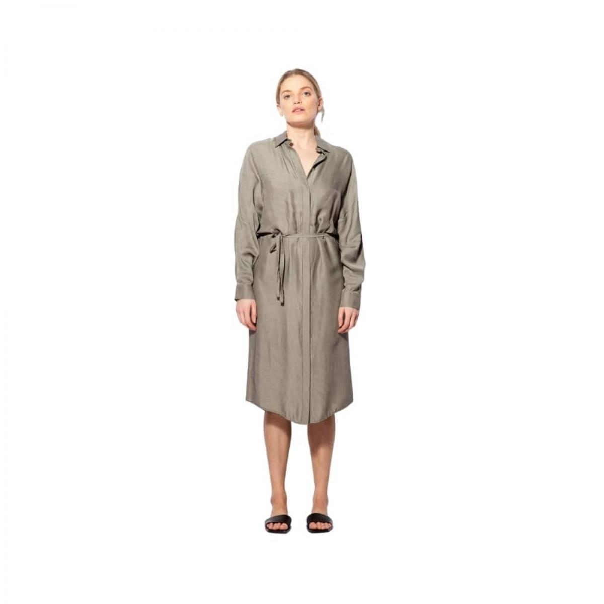 gia kjole - light military - model front