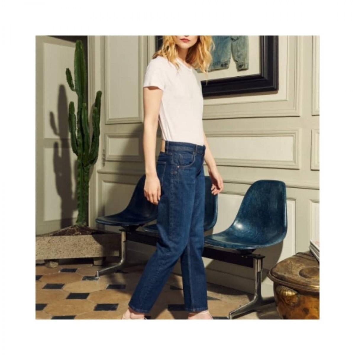 nina boyfriend jeans - denim blue - model fra siden