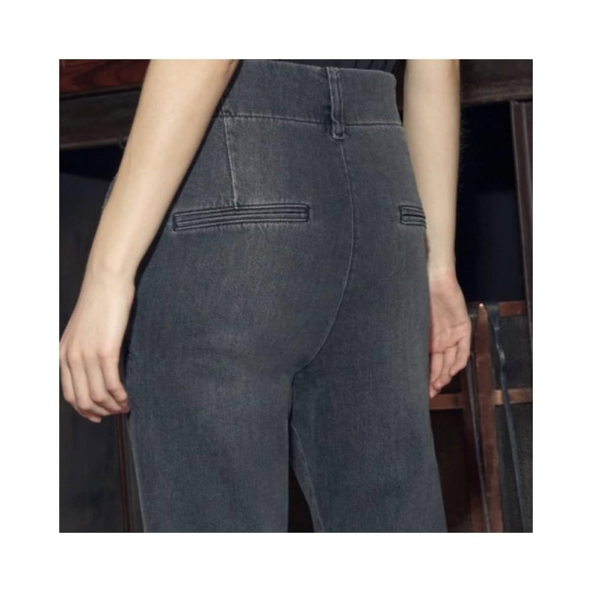 lenny jeans - grey - model baglommer