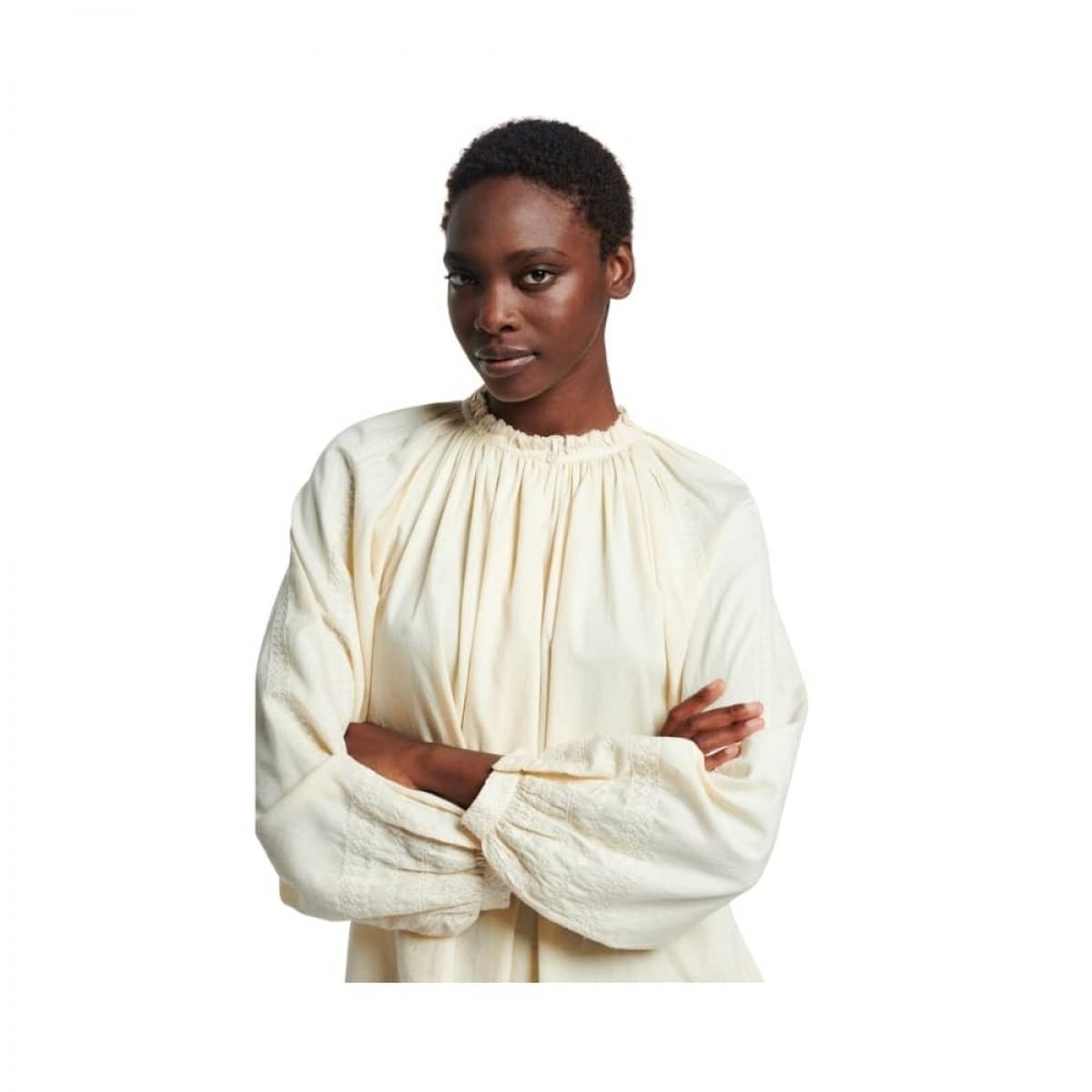meyer bluse - ivoire - model detalje