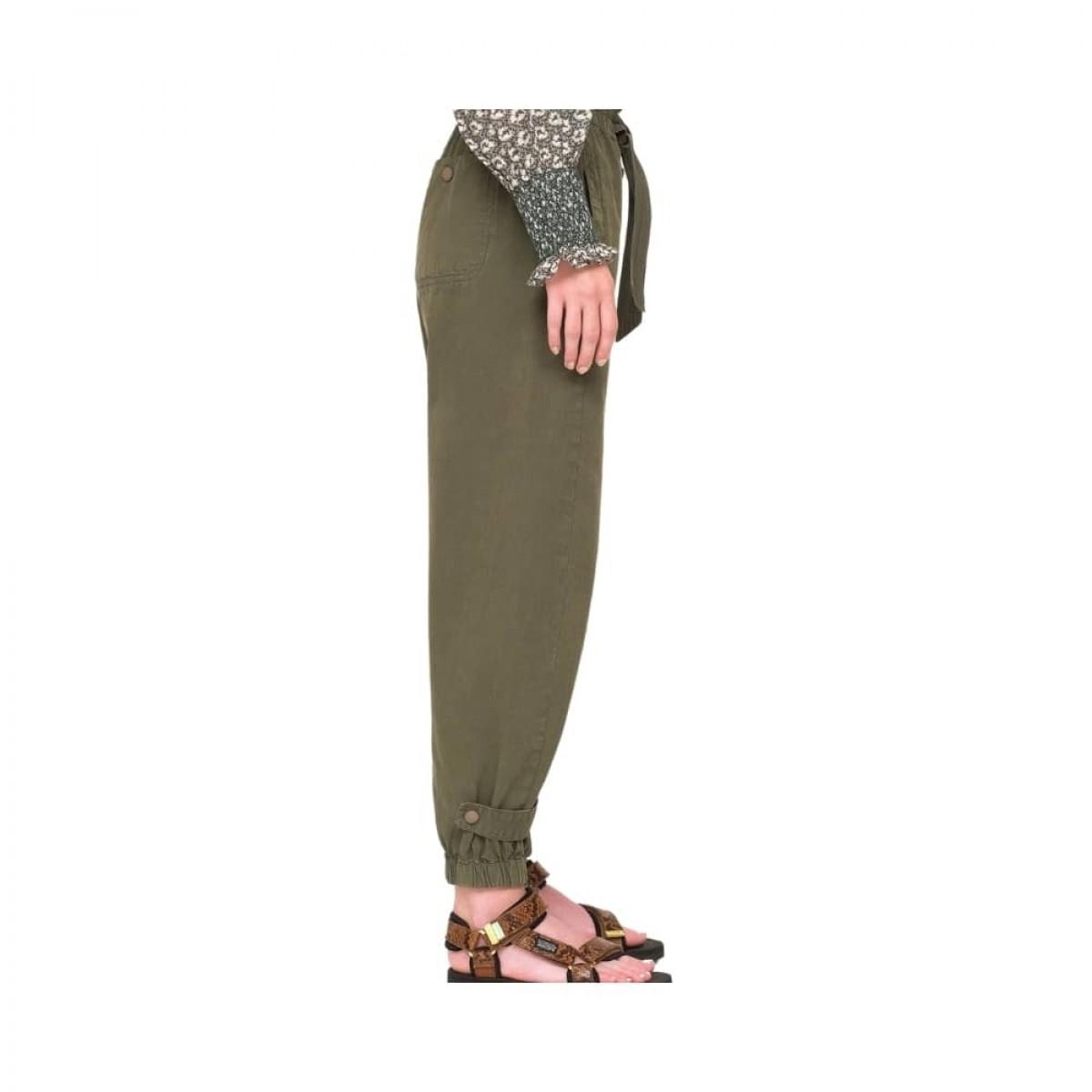 layla pants - army - model fra siden