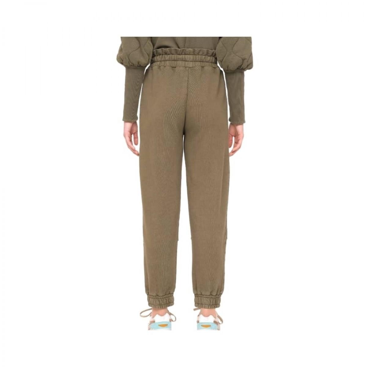 layla sweat pants - army - model bagfra