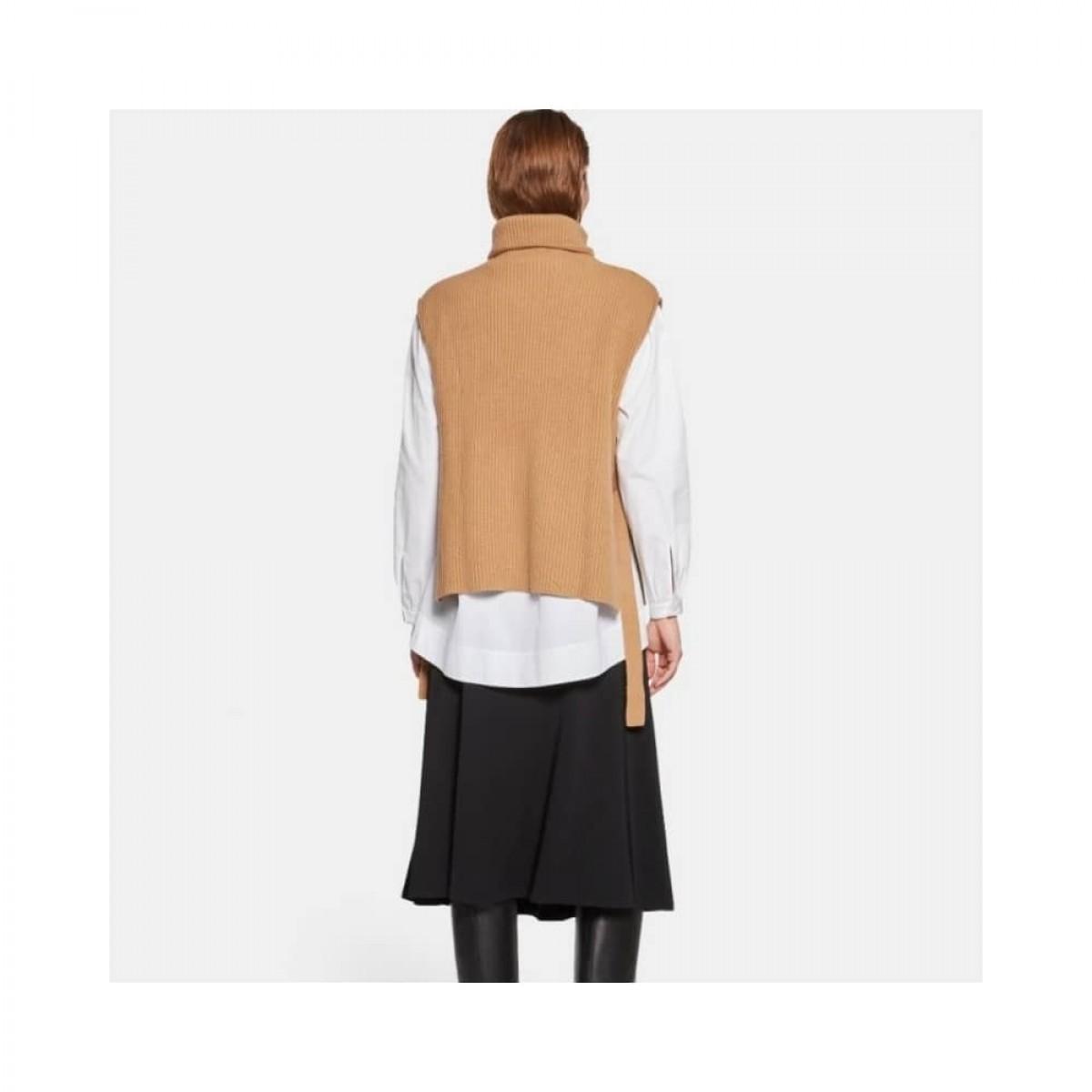 wool high neck gilet vest - camel - model ryg