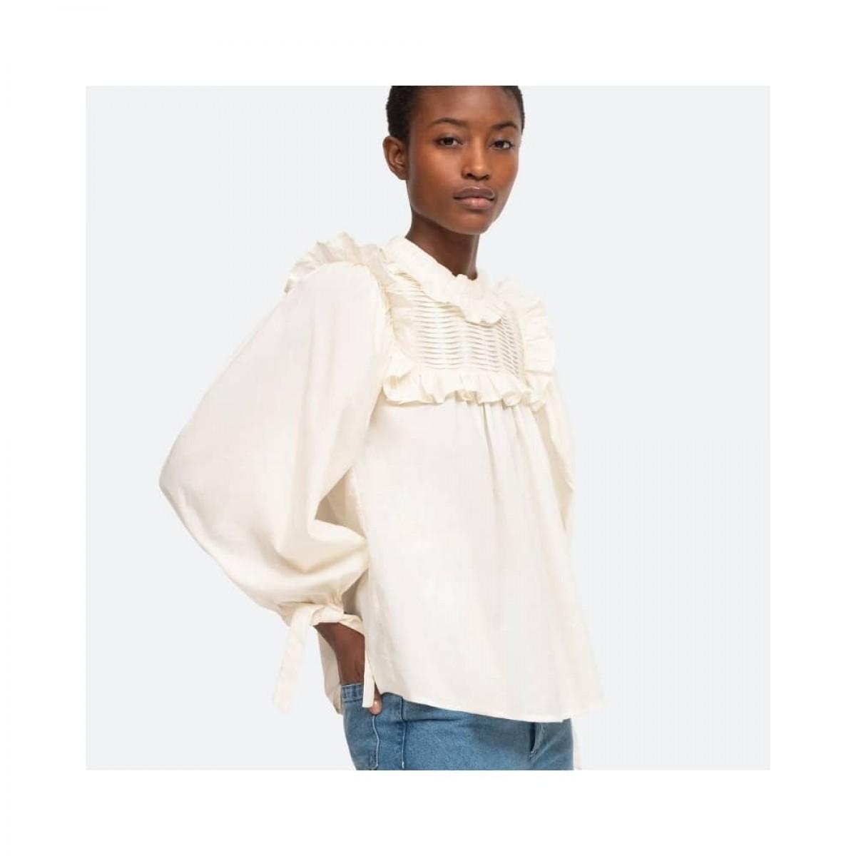 adrienne bluse - cashew - model fra siden