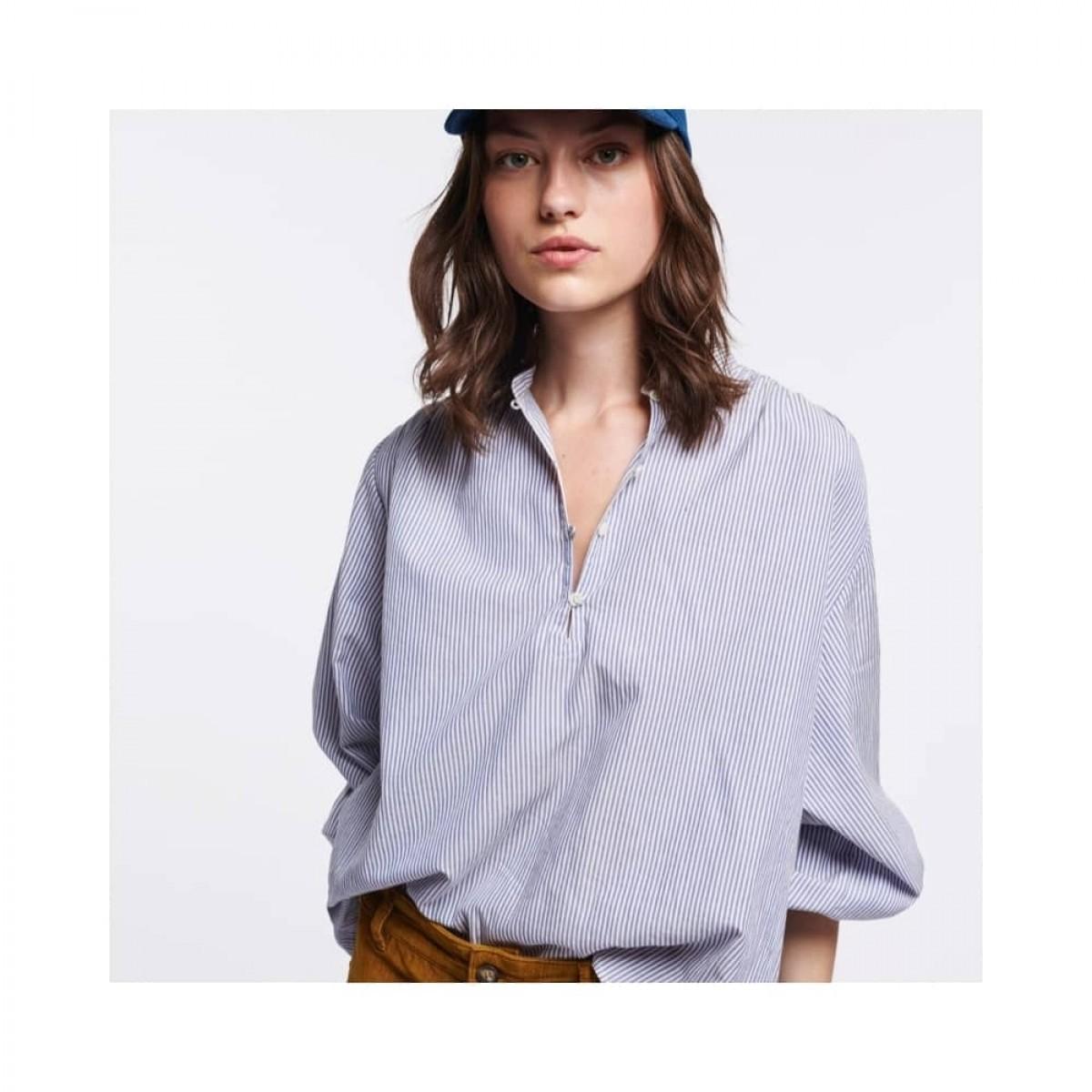 mederic bluse - blue - model front