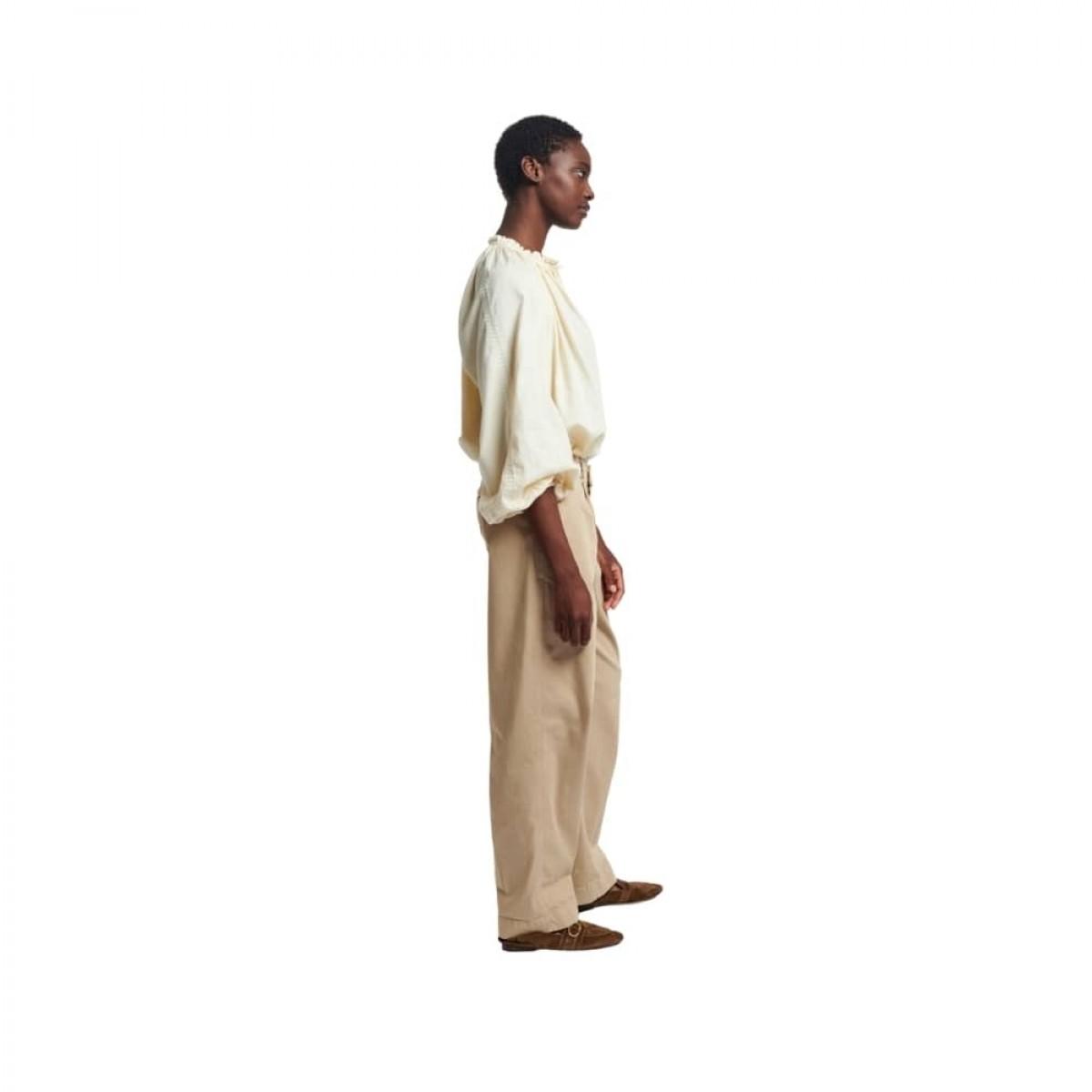 meyer bluse - ivoire - model fra siden