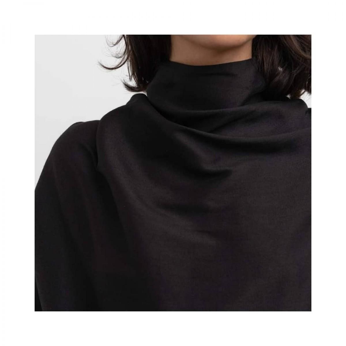 bella wool blouse - black - model hals