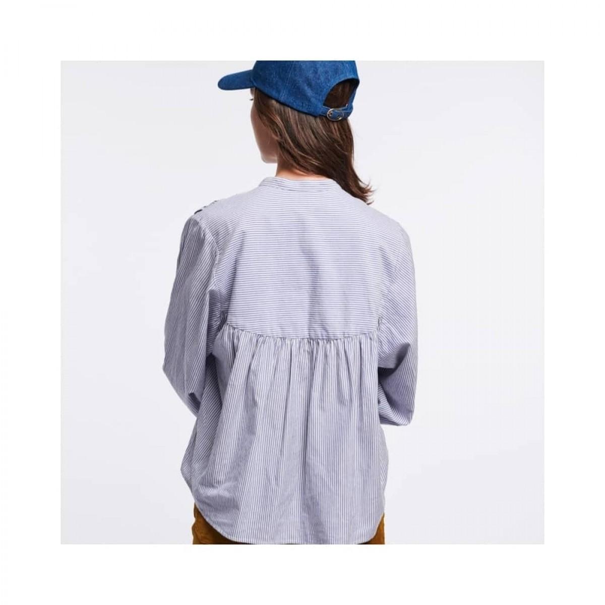 mederic bluse - blue - model ryggen