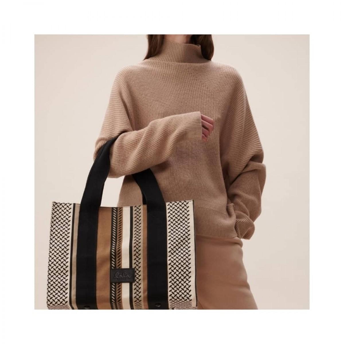 big tote josie bag - kufiya hessian dune - model front