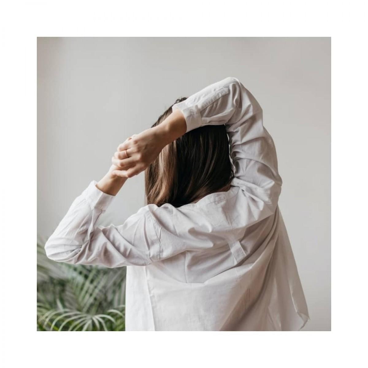 woodie skjorte - white - yoga bagfra