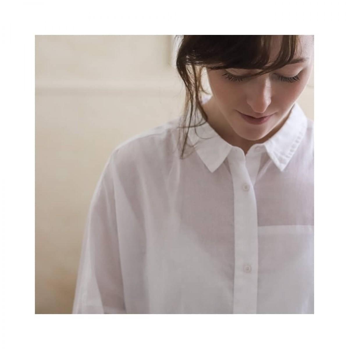 annie skjorte - white - model knap detalje