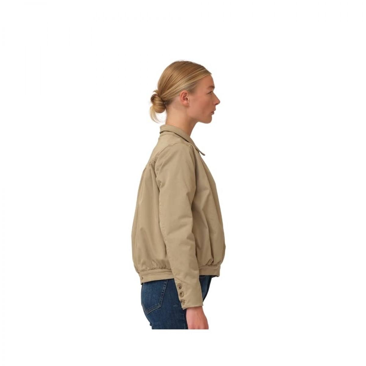 greta cropped jacket - camel - model fra siden