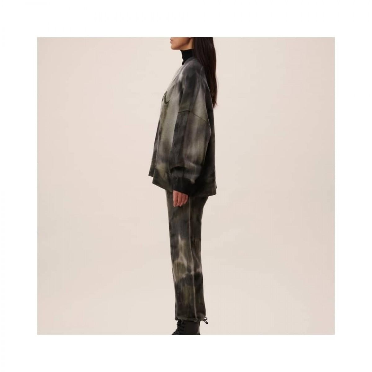yetka sweat bukser - olive tiedye - model fra siden