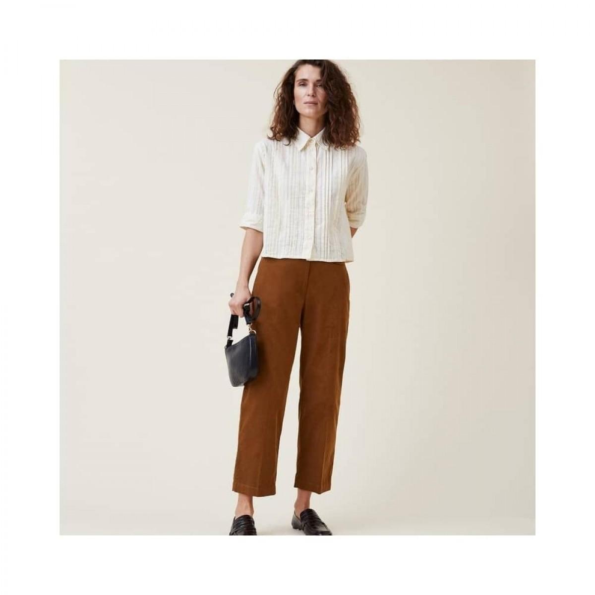 romala shirt - cream - model front