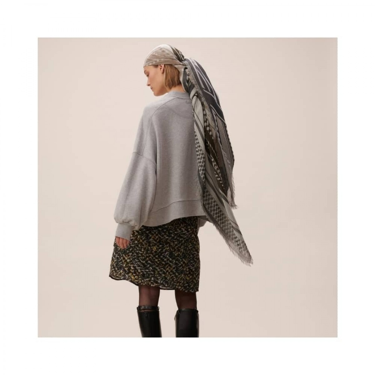 scarf agnes - olivie -model 2