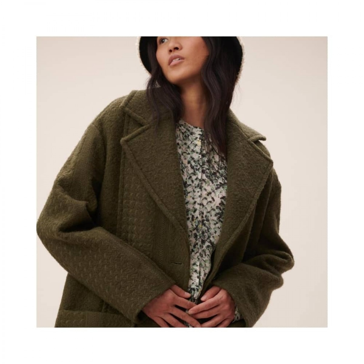 coat chayenne - olive - model look