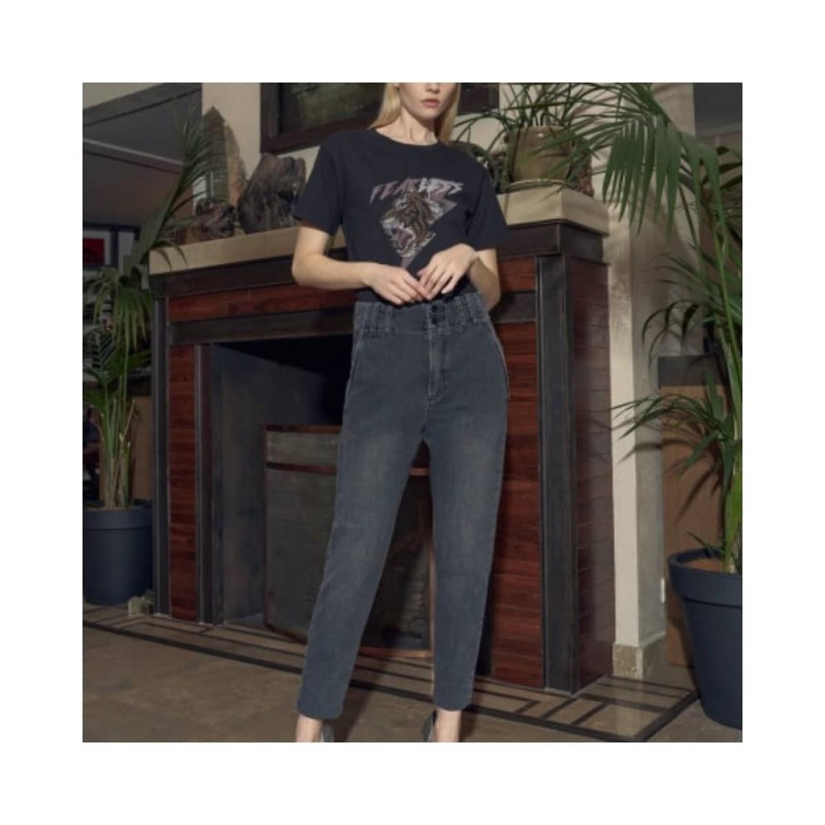lenny jeans - grey - model 1