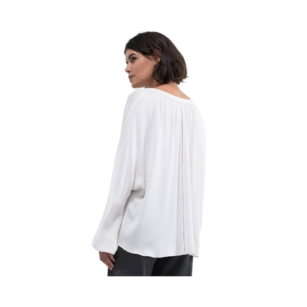 hiromi bluse - off white - model billede siden