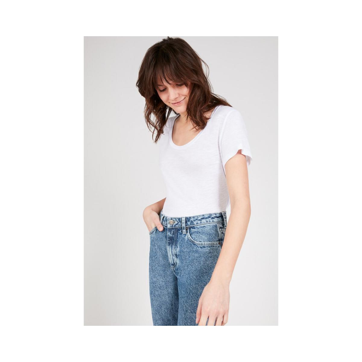 jacksonville t-shirt - white - model billede